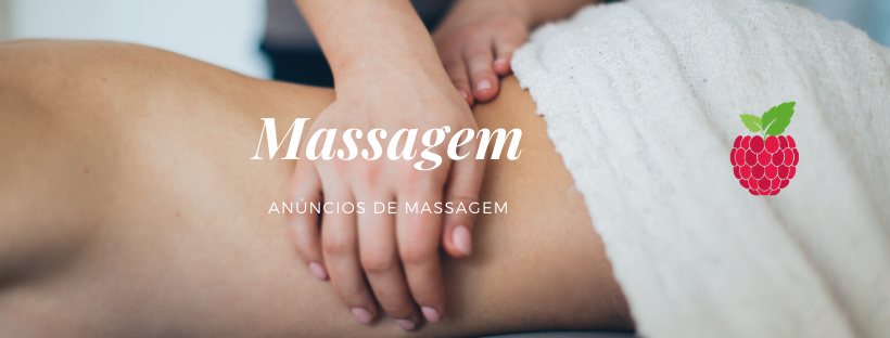 Mãos massageando costas do cliente