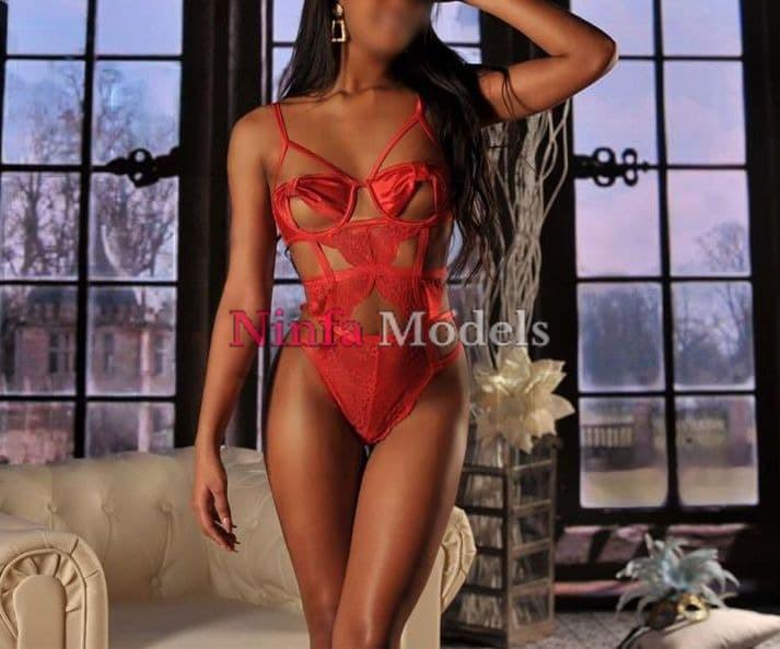 Miriam Ebony escort girl Lisbon in red Lingerie